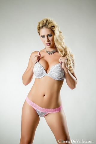 Voluptuous Cherrie Dixon showing her big melons and pink pussy № 714995 бесплатно